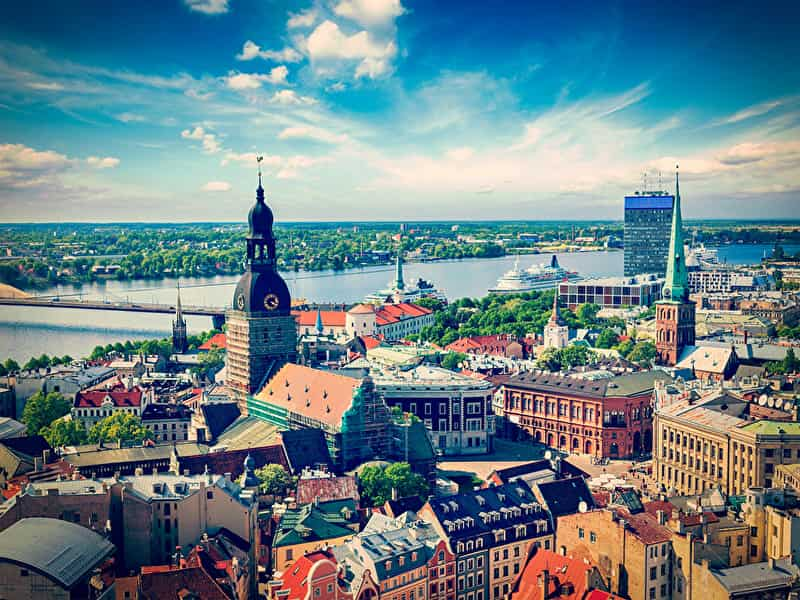 Latvia_Houses_Rivers_Sky_460206